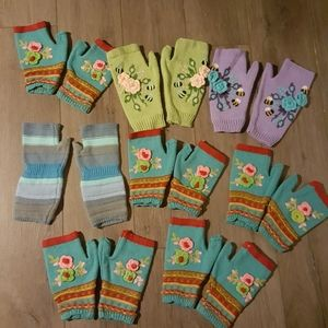 8 NEW pairs of Gloves Handwarmers mittens fingerle